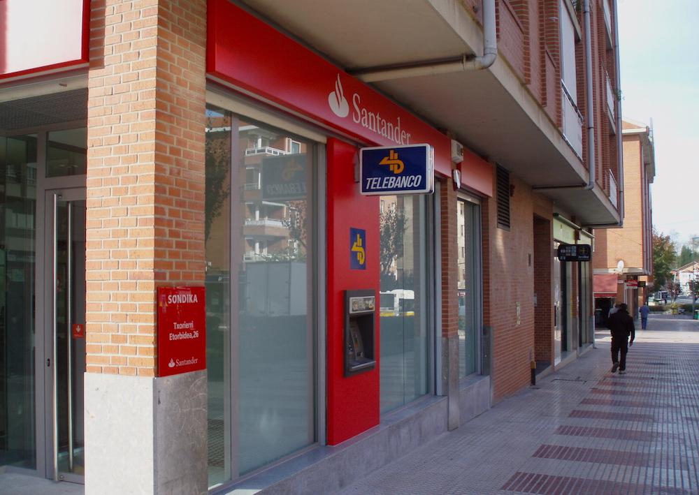 reforma de oficinas del banco santander foraster arquitectos